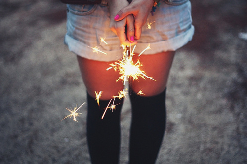 fashion-firework-girl-hands-legs-favim-com-115181